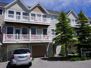 """Logan's Landing"" - Lake Michigan Views From This 3 Level Condo Comfortably Sleeps 6, Manistee"