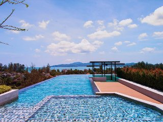Luxury apartment in Surin beach, with pool, restaurant and gym!!! 705
