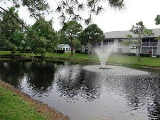 2 Bedroom, 2 Baths Condo, Nice Pool, Tennis Courts, Fort Myers