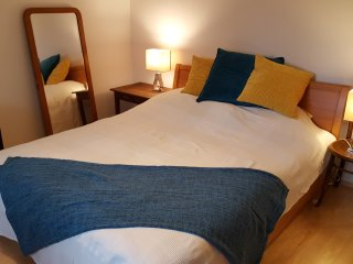 Cozy APP, 4 beds, 2 bedrooms + free WIFI, free PARKING