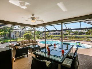Villa Highland~Outstanding Pool Area-Wonderful Family Vacation Home!