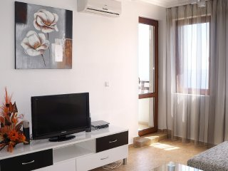 Two-bedroom apartment in Amphora complex, Sveti Vlas