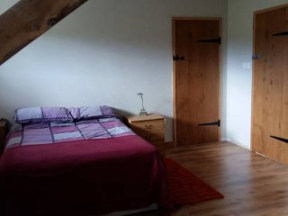 Comfortable Farmhouse Apartment, Saint-Loup