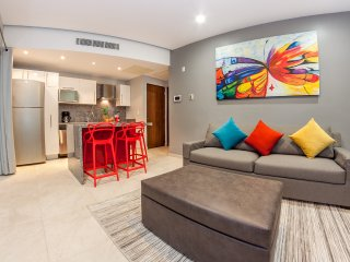 SKYLINE 103 MODERN, INTIMATE & NEW, Playa del Carmen