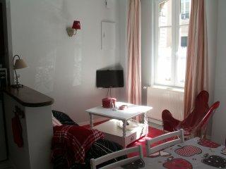 """La petite maison de """"Dodo et tartines"""", Bayeux"""