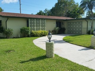 3 BEDROOM - CAPE CORAL VACATION HOME