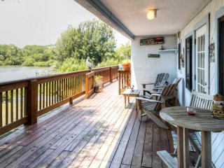 Waterfront 2BR Cedar Key Duplex Home w/ Dock!