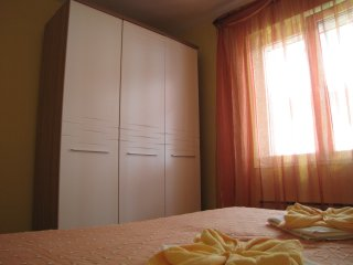 Large apartment for 4 persons ***, Baska Voda