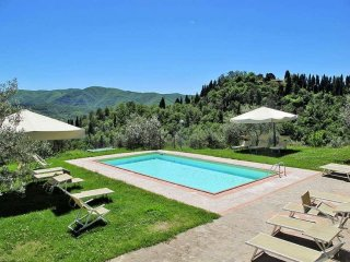 Villa Fabbroni Fattoria peaceful on top of Chianti Hills