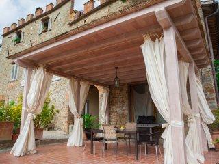 Villa Fabbroni Portico unit on Top of Chianti Hills
