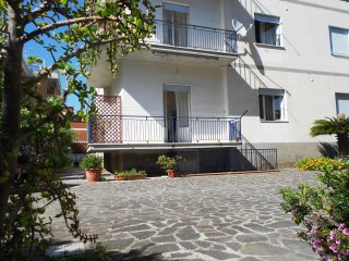 Bright flat 250 meters from the sea between Rome and Naples