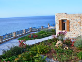 Newly-built stone villa with panoramic sea views 2, Rethymnon