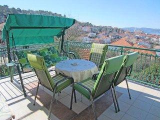019 Cozy one bedroom apartment on island Čiovo, Trogir