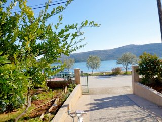 028, Two bedroom apartment straight on sea, Marina