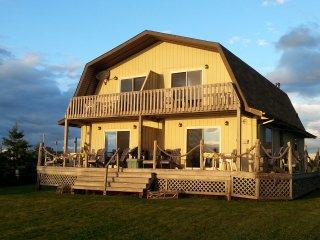 Sandcastles Beach House - Duneside: Stunning View on PEI's Best Beach!
