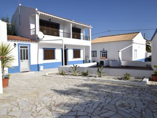 3 bed Villa 8 min from the beach Pad, Ferreiras