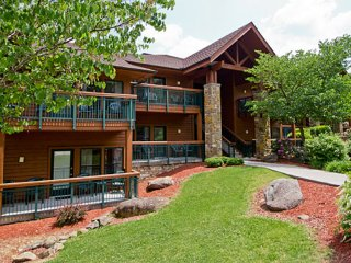 GATLINBURG {1 BR Luxury Condo} Bent Creek Resort, Gatlinburg
