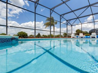 Luxury SpaciousDisneyVilla, with lakeside view and large pool