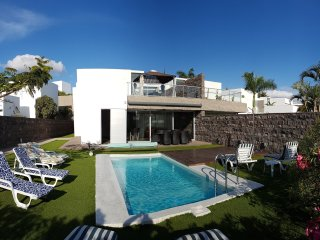 Amazing Villa In The Best El Duque Aerie, Adeje