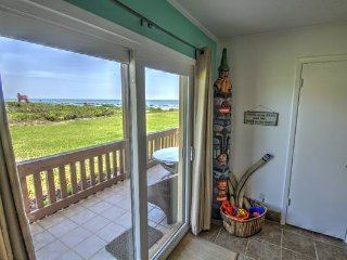 Enjoy our Beachfront Condo this Summer!  Ground Level with ocean views from Bed!, Isla del Padre Sur