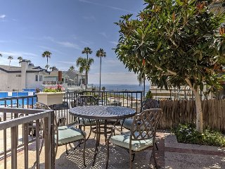 Oceanview House on Corona Del Mars Flower Streets, Walk to Beach
