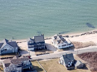 Roomy Oceanfront Home with Views of Nantucket Sound and Marthas Vineyard, Falmouth