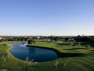 Beautiful 2 bedroom Vila Sol Golf Resort 3 pool, Quarteira