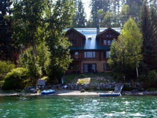 CUSTOM LOG HOME ON WHITEFISH LAKE BEACH/DOCK/BOUY, Whitefish