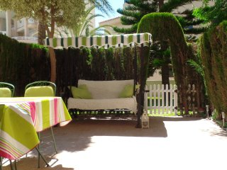 Adorable Baby-friendly Apt by the beach. Pool&WIFI, Campello