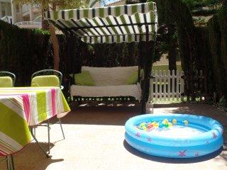 2ª LINEA: Duplex equipado para BEBÉS, en urba con piscina, wifi, garage, aire ac, Campello