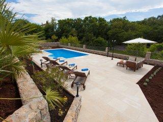 Beautiful Villa Mia with Swimming Pool