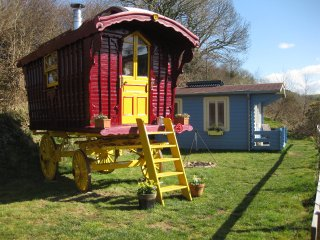 Gypsy Cwtch Romany Wagon