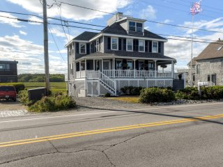 Blissful 3BR Rye Beach House w/Wifi, Oceanfront Views, Spacious Porch & Outdoor Dining Area - Close Proximity to Rye Harbor!