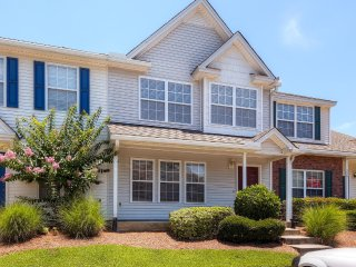 New Listing! Inviting 3BR Charleston Townhouse w/Wifi & Access to Community Pool! Relax on the Private Patio - Great Location Near Terrific Shopping, Dining & More!