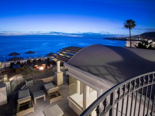 Updated- romantic ocean views- steps to sand!, Laguna Beach