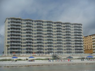 2br - 2bth Oceanfront Condo w/ stunning View - on private side of beach *no cars