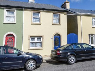 HIGH TIDE, open fire and woodburner, patio, in Belmullet, Ref 931025