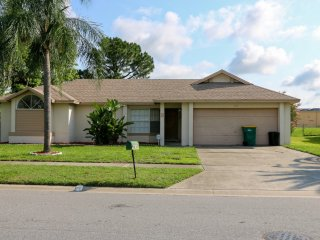 Quiet Location Close to Attractions - 3 bedroom pool home
