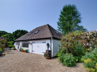 Beautiful spacious barn set in quiet countryside, Hawkhurst