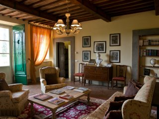 Suite Apartment in Villa with 2 Bedrooms - Lucca