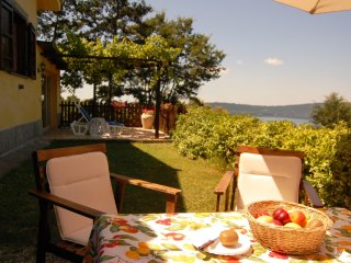 Holiday home  with Jacuzzi upon the Lake near Rome, Caprarola