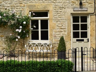 White Hart Cottage - Idyllic holiday cottage in Freshford, Bath