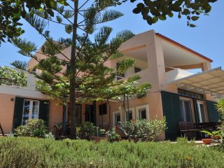 Family-friendly Villa Into the trees, Malia
