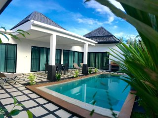 New Wonderful 2 Bedrooms Pool Villa, Rawai