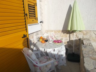 Apartments Sunce - One Bedroom Apartment with Terrace and Sea View (Yellow)