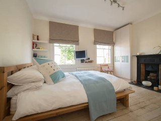 Gorgeous Bright Double Room with TV