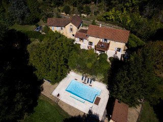 Wonderful 300sqm Perigordine House and Heated Pool, Saint-Andre-d'Allas