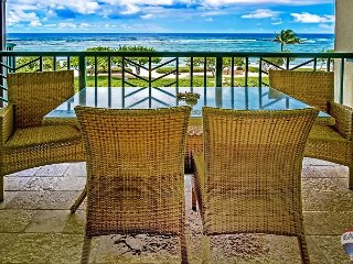Luxury Top Floor 2 Bedroom/3 bathroom Ocean View Condo