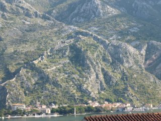 Kotor Muo 3 - 40 m. from the beach with garden grill