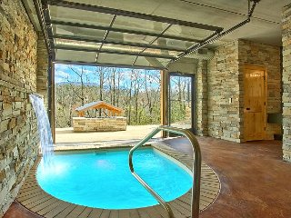 Romantic Modern Cabin with Indoor Pool Spa and Amazing Mountain Views